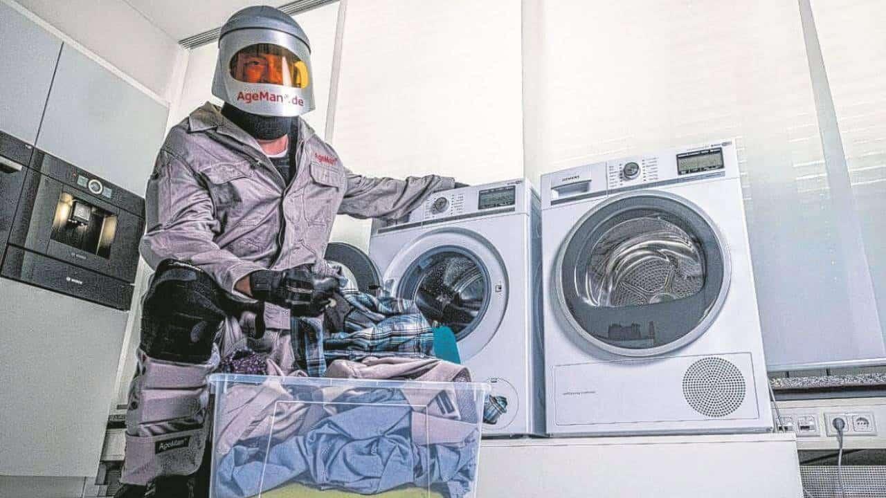 Waschmaschine Alterssimulationsanzug AgeMan