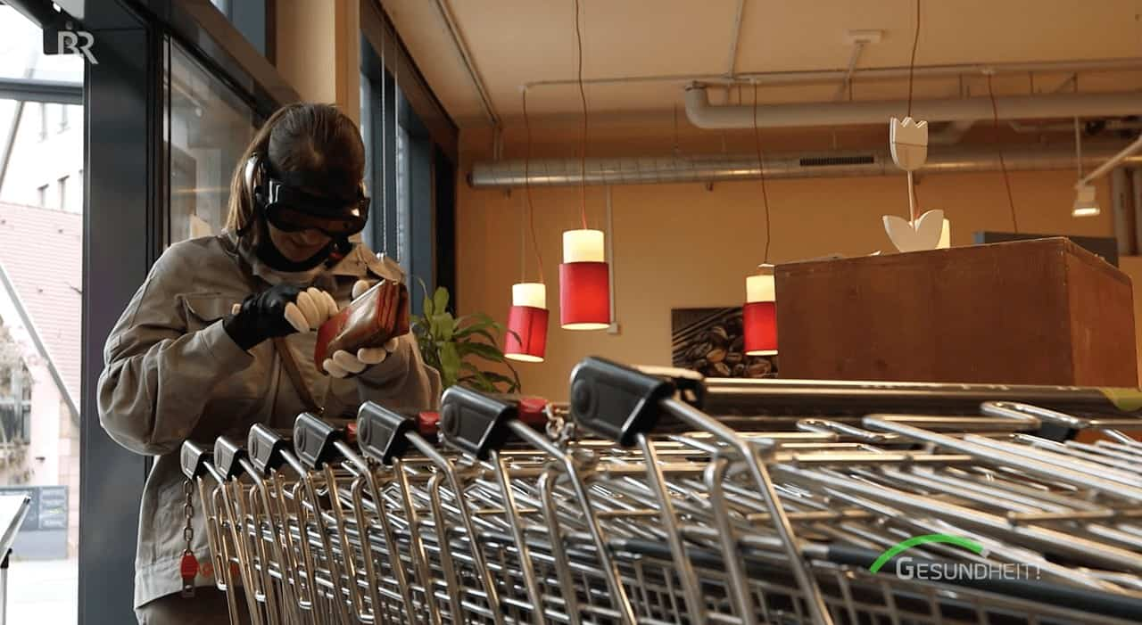 Altersanzug Supermarkt einkaufen